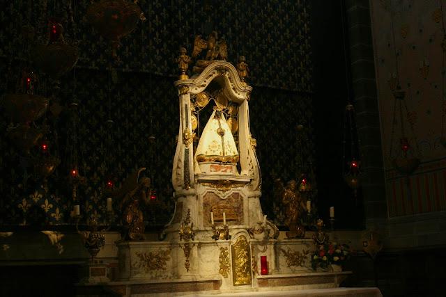 De Zwarte Madonna in de kathedraal van Le Puy en Velay