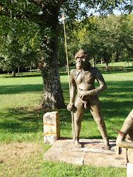 Junior le BonobHomme au château d'Aine à Azé