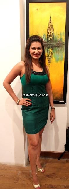 Payal rohatgi hot body in green dress -  Payal Rohatgi Art Show Launch