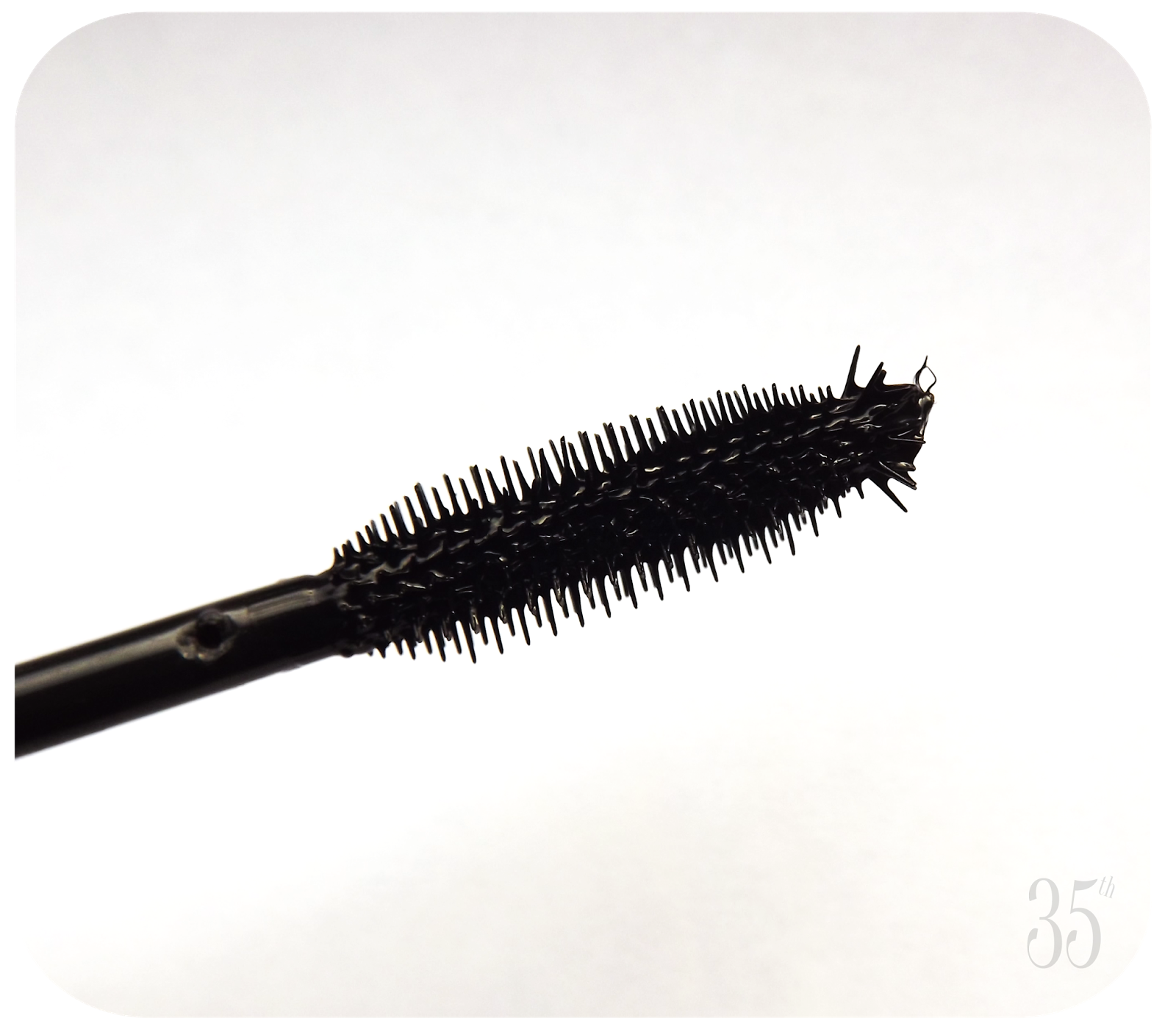 Benefit They're Real Mascara brush