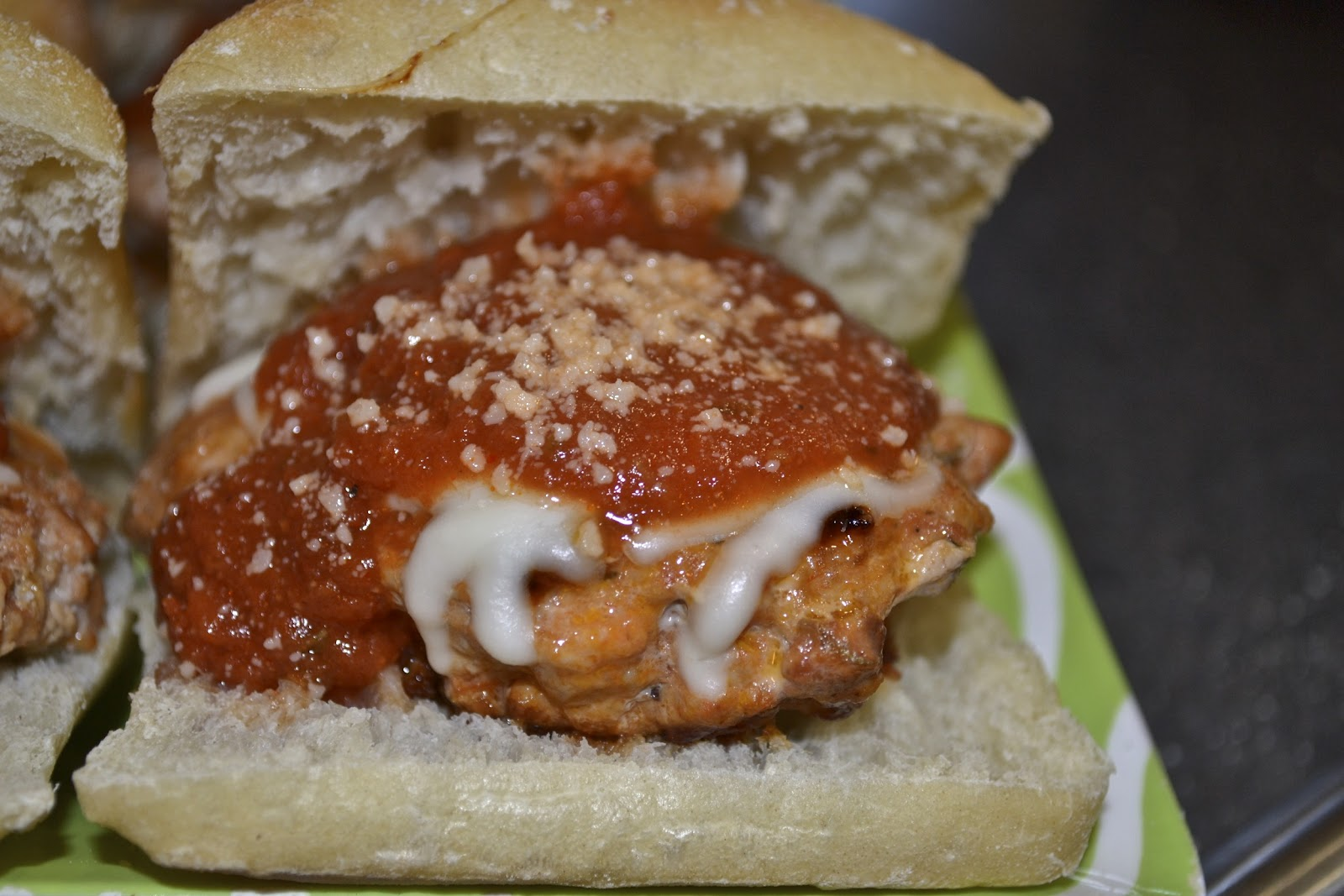 "Point-less"" Meals: Chicken Parmesan Burgers"