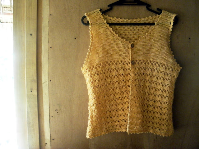 Cute Japanese crochet vest free pattern