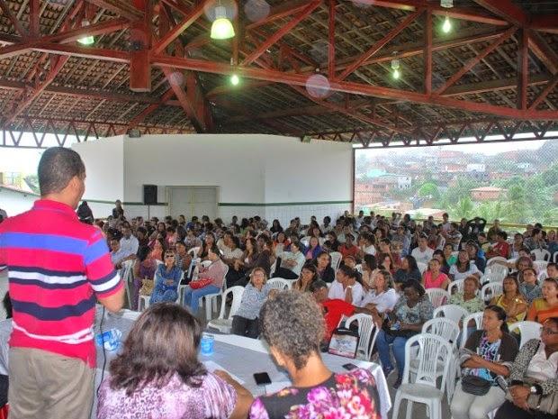 Professores de Lauro de Freitas decretam greve por tempo indeterminado (Foto: Divulgação/Asprolf)