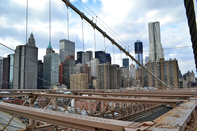 BROOKLYNG BRIDGE - VISTA DO SKYLINE DE MANHATTAN
