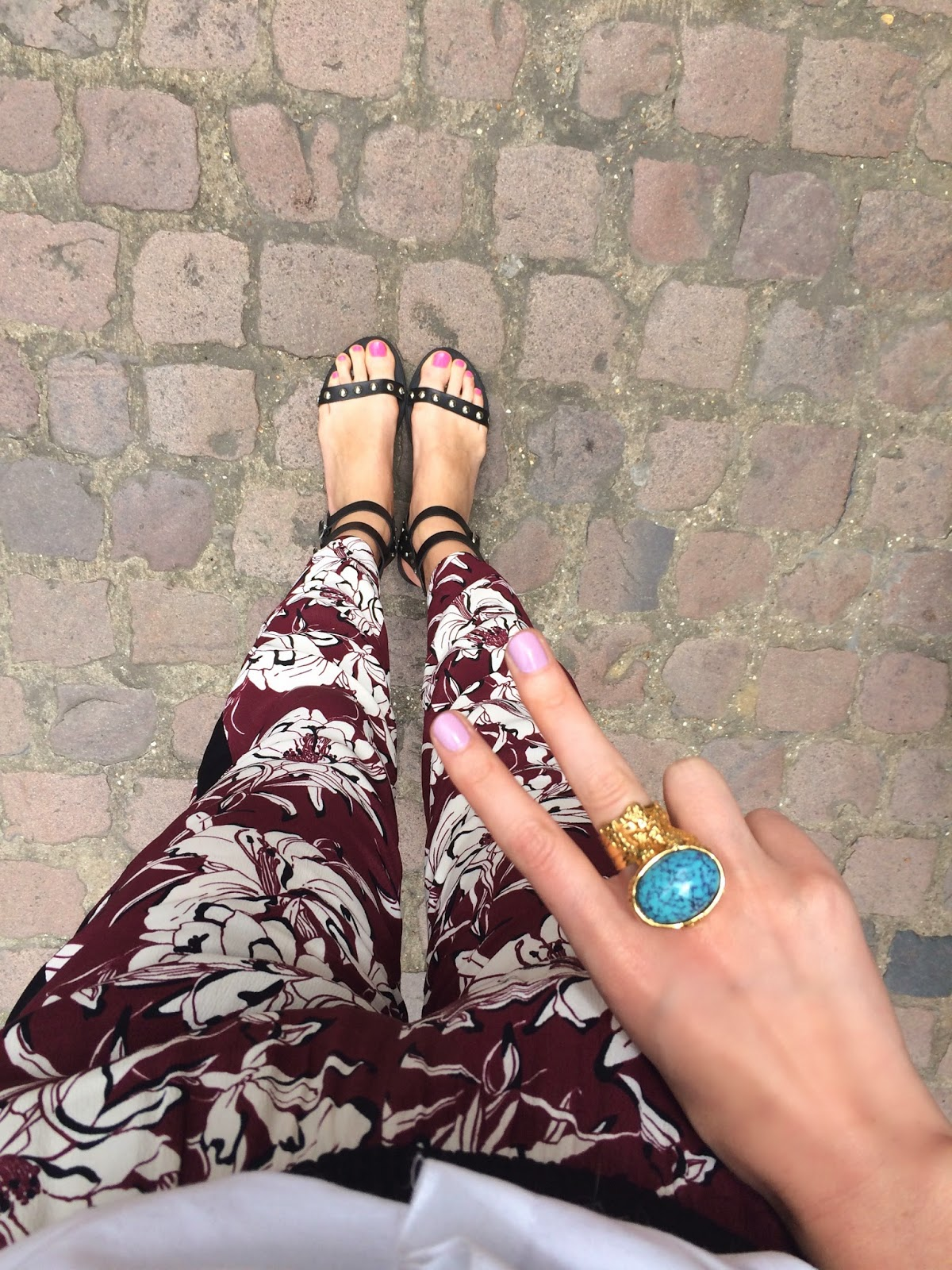 kurt geiger, kurt geiger kad sandals, studded sandals, isabel marant inspired sandals, ysl ring, ysl arty ring, zara printed trousers, red printed trousers, white shirt, fwis, fashion blogger, fwis blogger