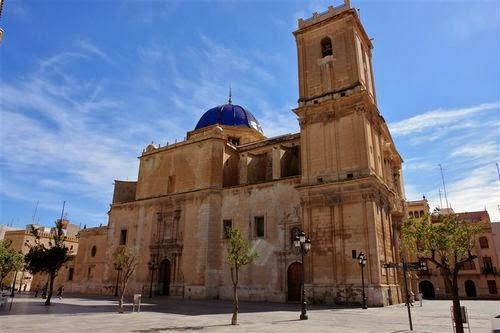 La Basilica de Santa María en Elche