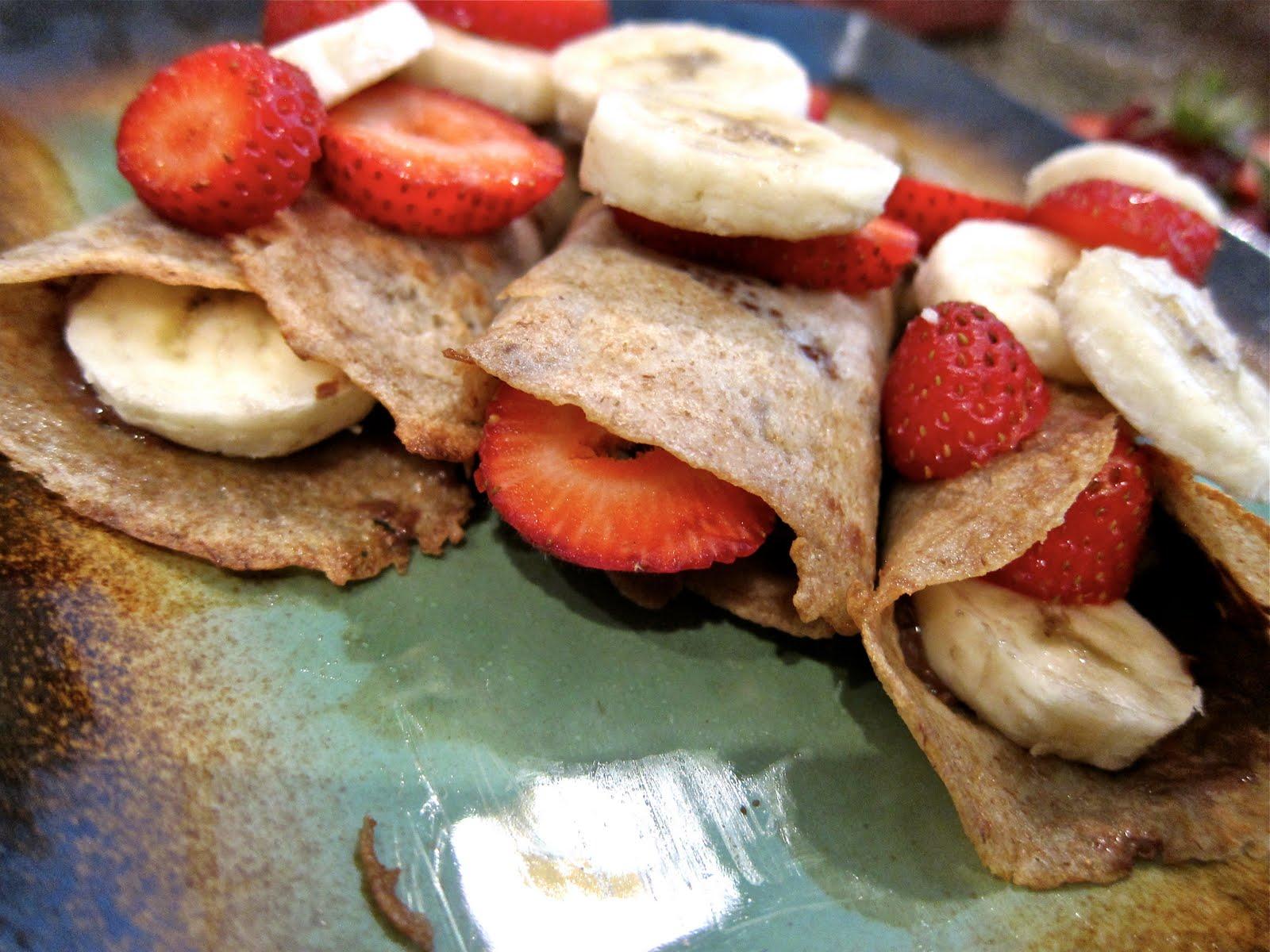 Saleena: Strawberry & Banana Nutella Crepes
