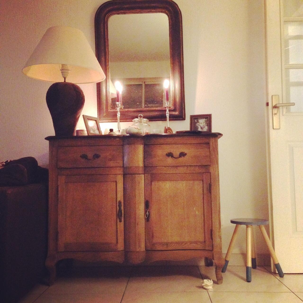 Une chambre moi diy customisation d 39 un miroir louis for Miroir zigzag