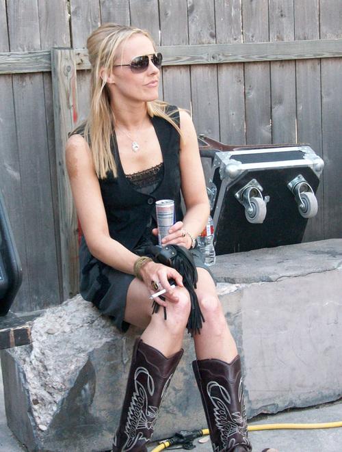 Amanda Strang Nude Photos