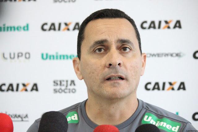 Auxiliar Hudson Coutinho pode ser efetivado, segundo dirigente (Foto: Divulgação/Figueirense)
