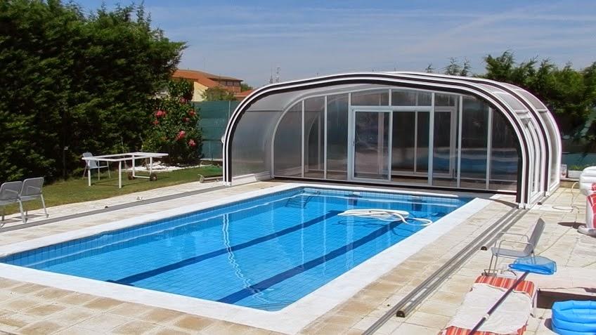 Cerramiento con cubiertas de policarbonato piscina barata for Cubiertas para piscinas madrid