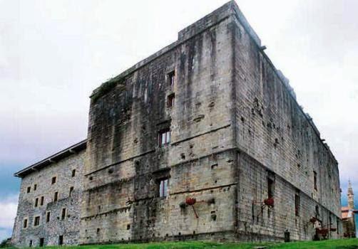 Castillos y Fortalezas de España Castillo%2Bde%2Bcarlos%2Bv%2B(4)