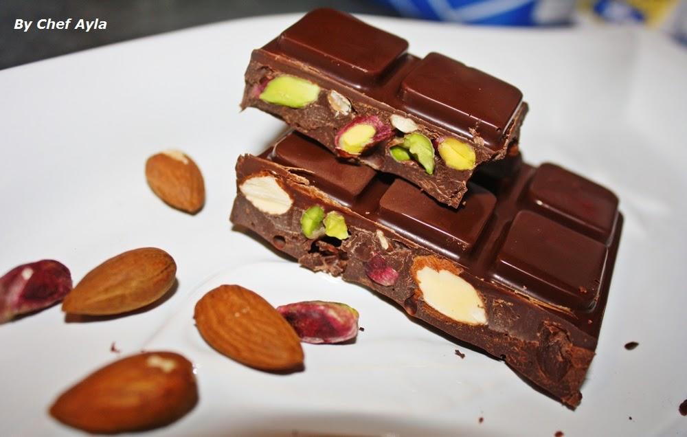 Ayla 39 s kitchen tablette de chocolat amande pistache maison for Tablette special cuisine