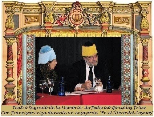 """Escena de la obra del  Teatro de la Memoria. Obra: """"En Útero del Cosmos"""""""