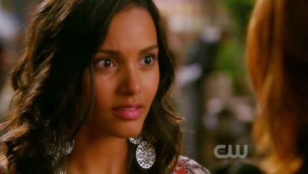 Jessica Lucas wearing silver filigree earrings by Jenny Dayco