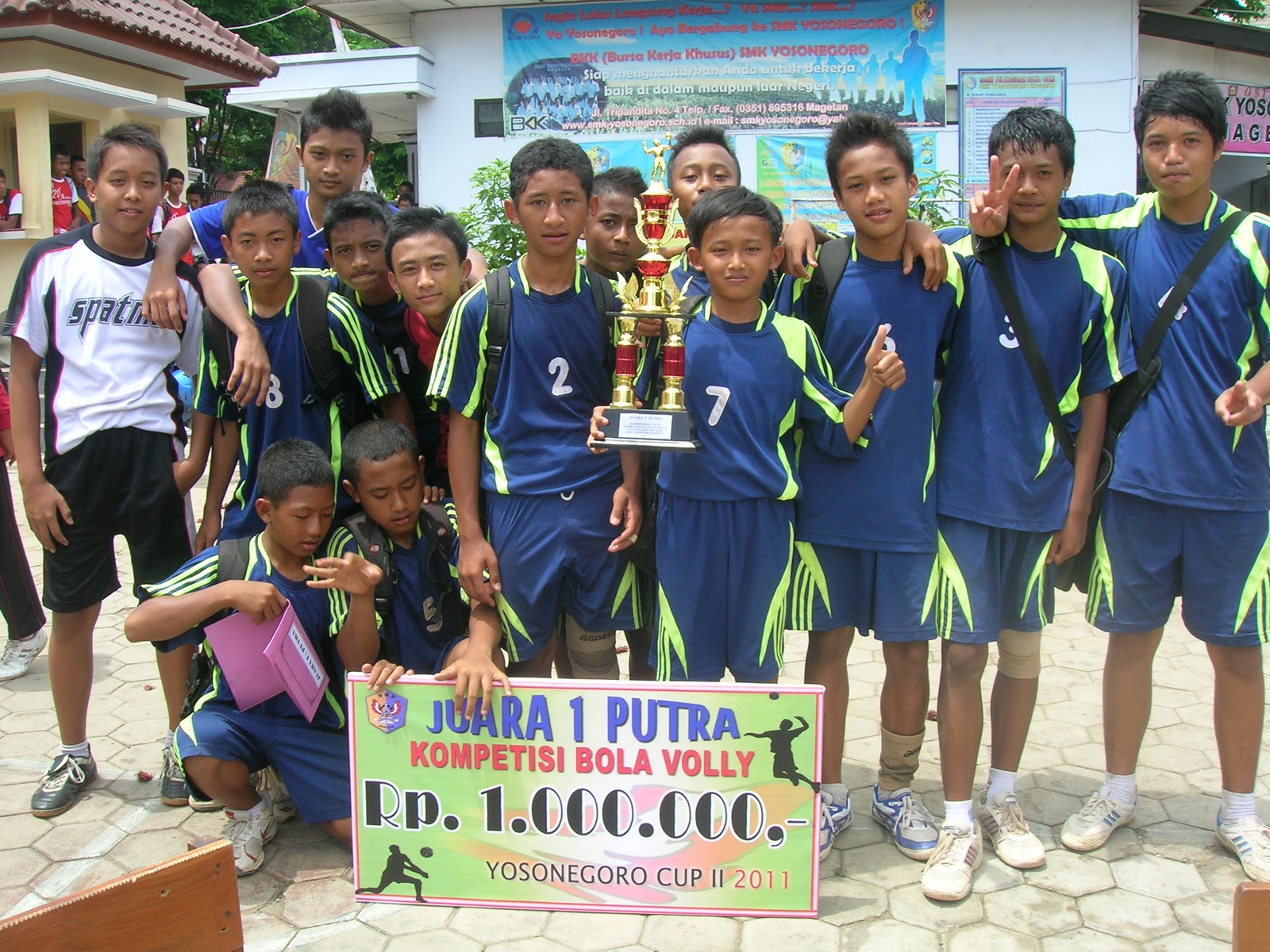 Tim Volly SMPN 4 Magetan Juara I
