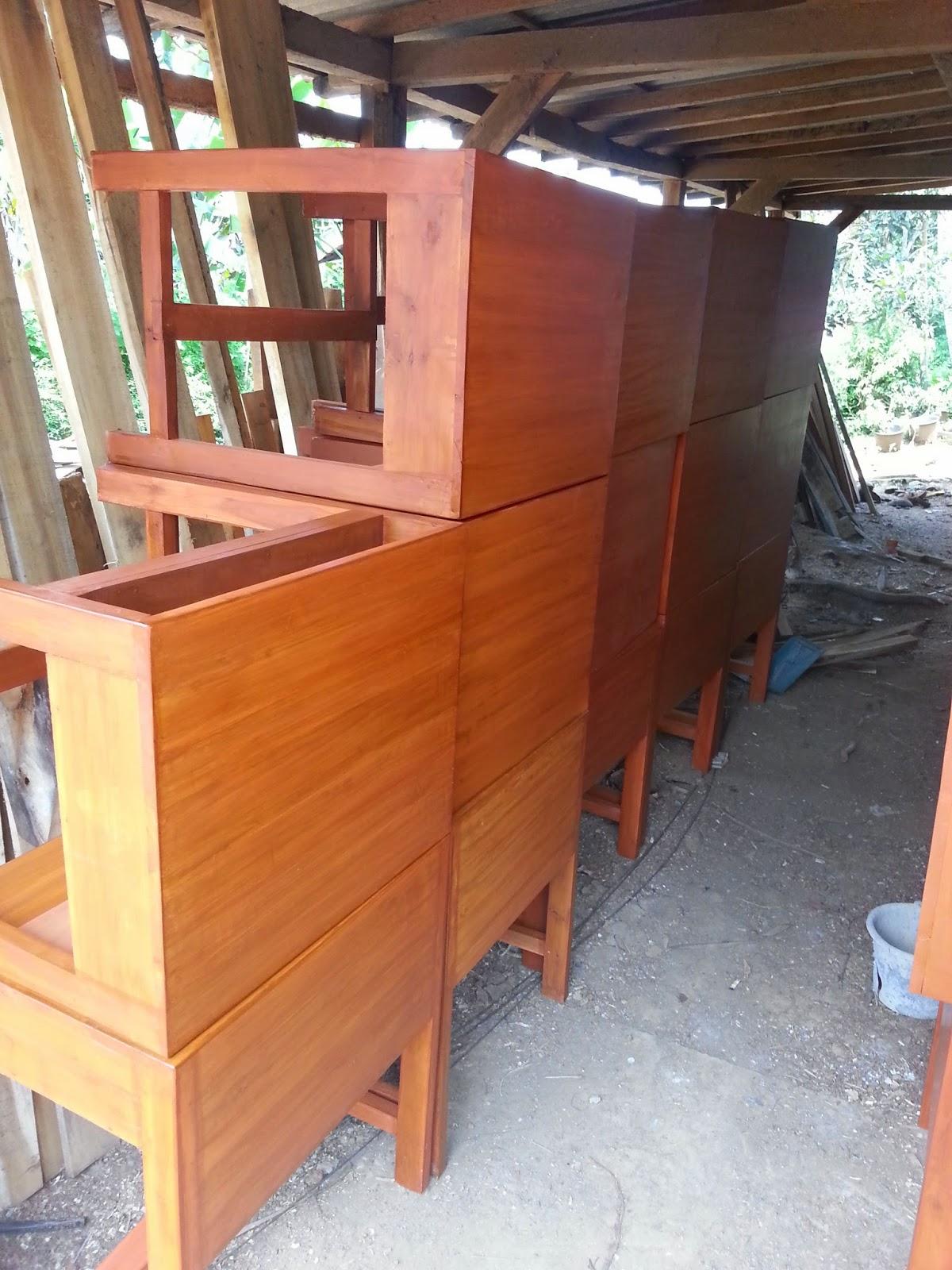 meja kursi sekolah kayu damaran jati : JUAL MEJA KURSI ...