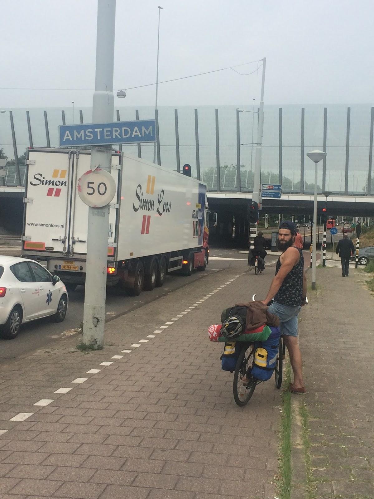 Как добраться из аэропорта в Амстердам поездом