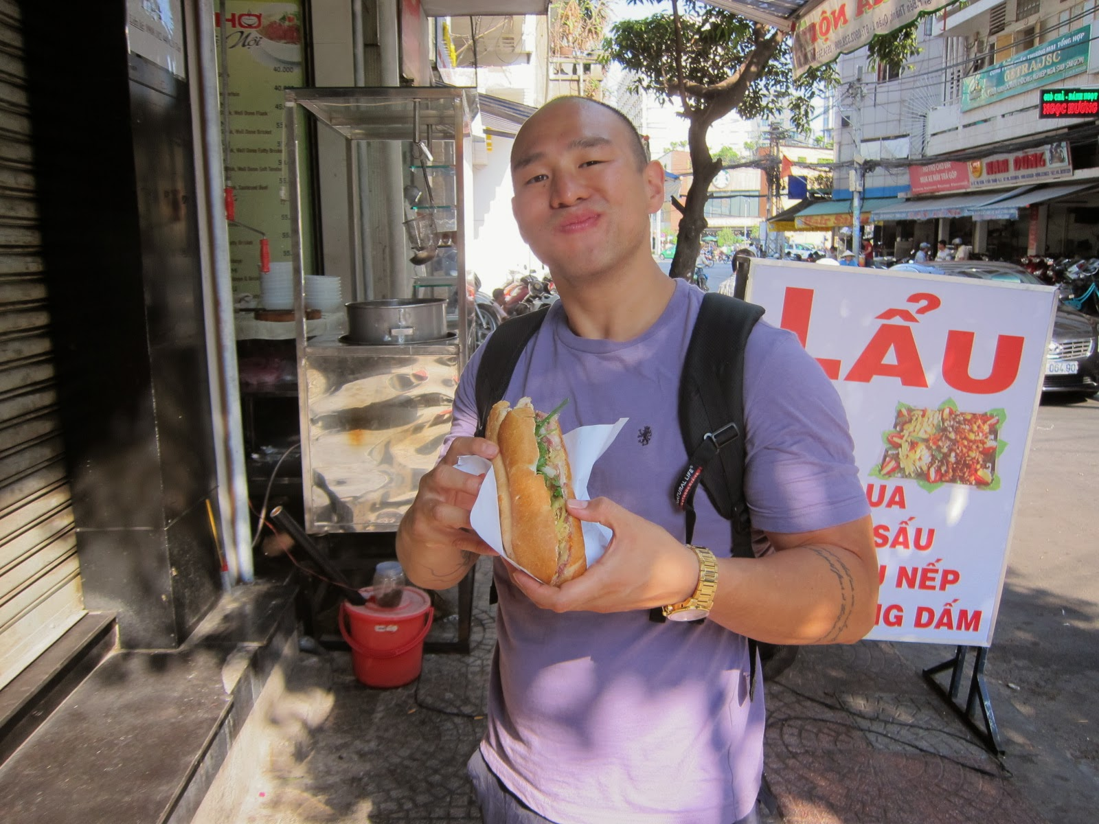... who has been in Saigon much longer than I have and has tried a ton of different Banh Mi street stalls and agreed that this is the best place in Saigon.