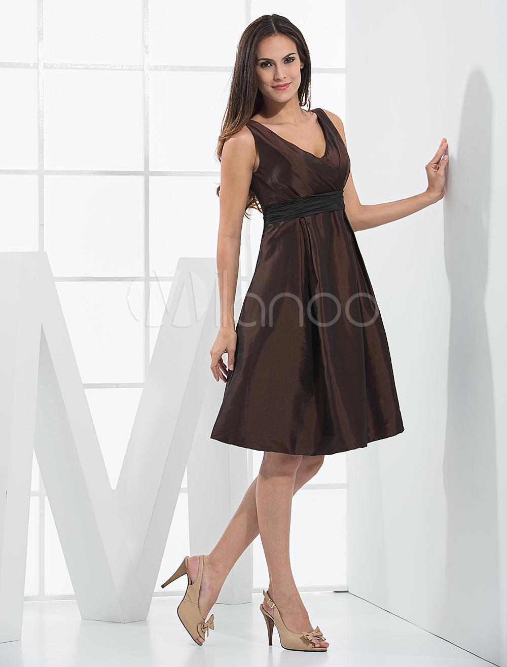 Robes sexy - Luxueuse robe de soiréé de maternité marron au col-V faite en taffetas