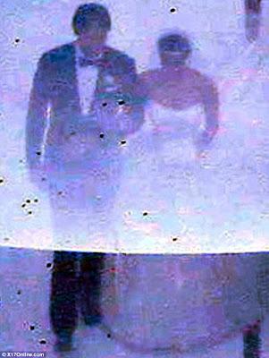 Few PicTures Of Kim Kardashians Wedding! 1