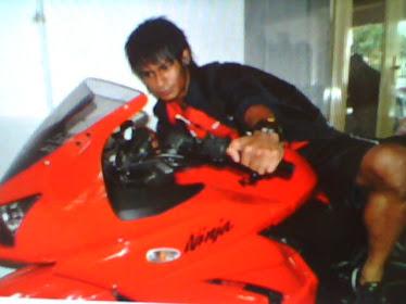 motor kesayangan ridhuan arema>>