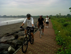 sanur pathwalk ...........morning riding
