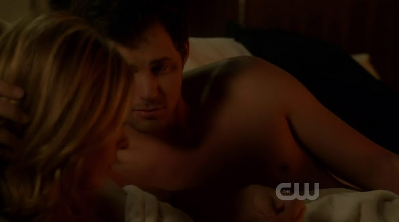 Kristoffer Polaha Shirtless in Ringer s1e04