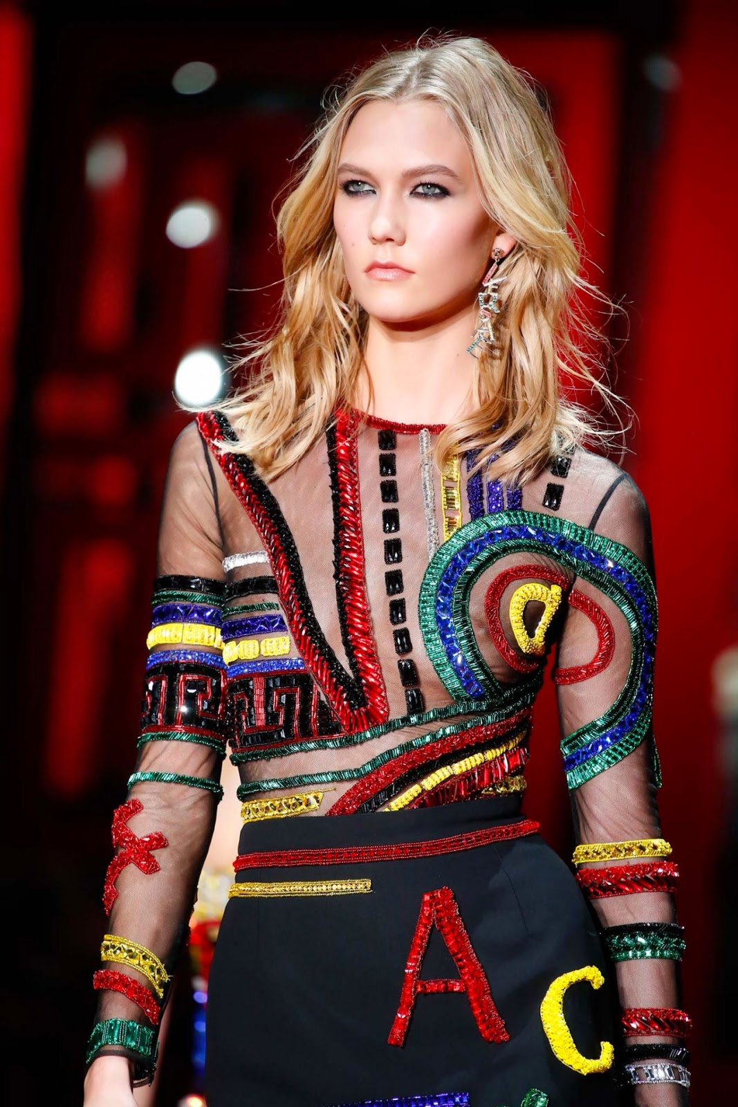 Fashion Model @ Karlie Kloss - Versace Fashion Show Runaway - Milan Fashion Week Autumn/Winter 2015