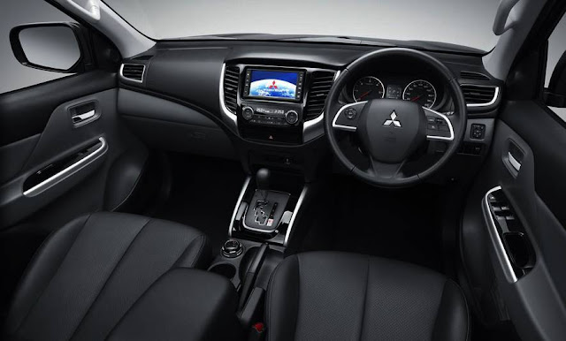 2016 Mitsubishi Pajero Interior
