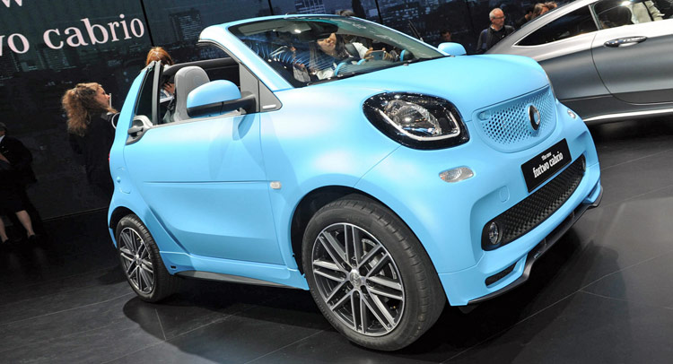 smart peels back the roof on new fortwo cabrio. Black Bedroom Furniture Sets. Home Design Ideas