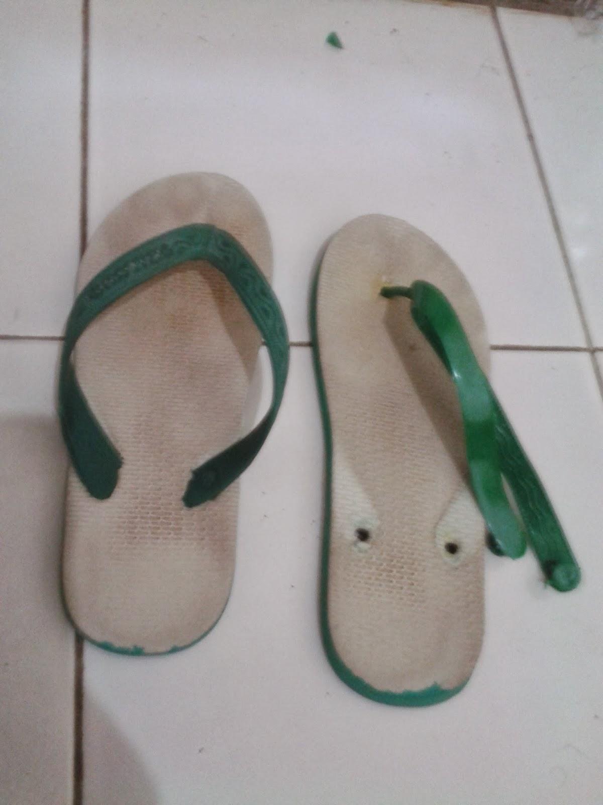 Trik Irit dan Hemat Sandal Jepit Untuk Anak Kos