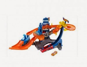 Amazon: Buy Hotwheels Color Change Action City Flame Fighters at Rs.920
