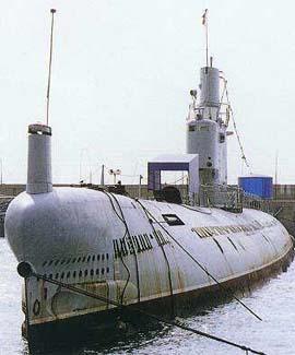غواصات كوريا الشماليه North Korean submarine Photo%2B3
