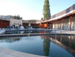 emet-resort-açık-havuzu-kütahya