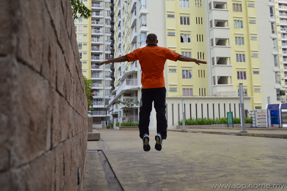 Levitation Photo - I can fly