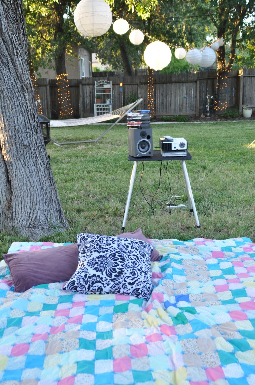 domestic fashionista smore backyard movie night