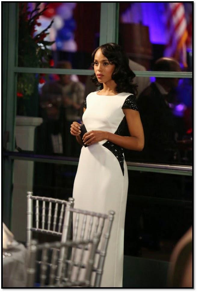 Robe de Gala blanche dentelle noire Valentino Olivia Pope série Scandal Kerry Washington