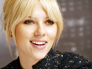 Scarlett Johansson Beautiful wallpaper 0