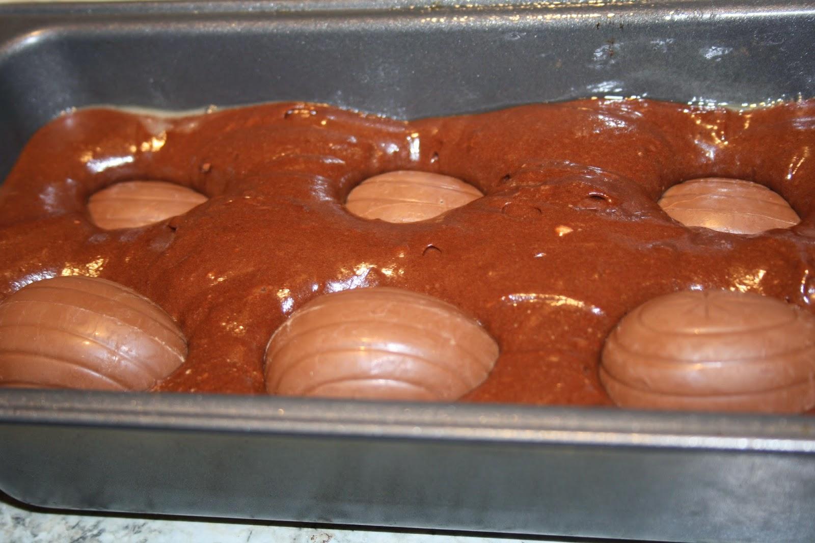 Cadburys creme egg cake