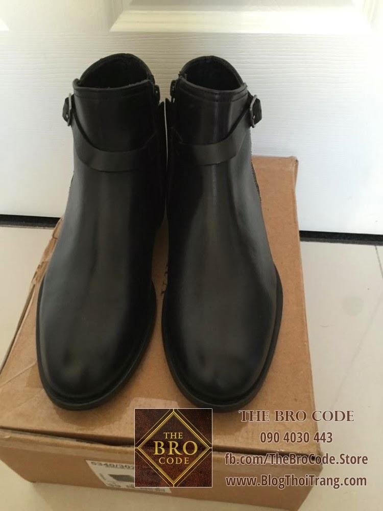 Mũi giày tròn dễ phối hợp với casual wear, formal wear