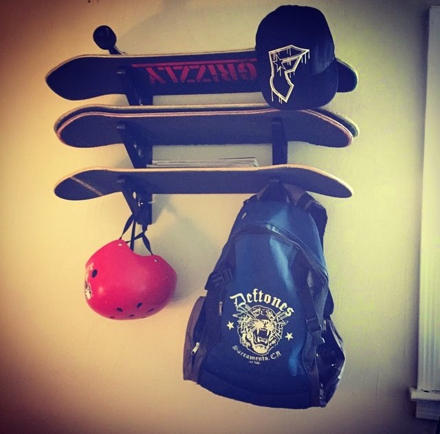skateboard display rack