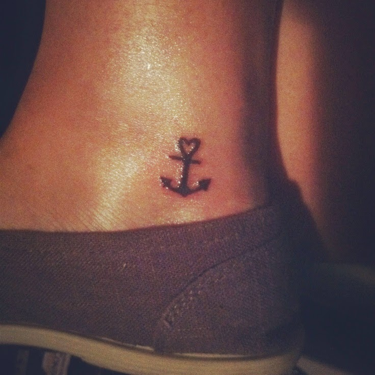 ♥  ♫ ♥ I'd love to have a small tattoo like this. ♥  ♫  ♥