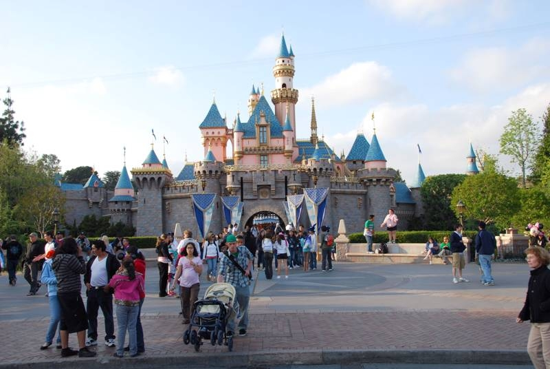 disneyland castle pictures. California Disneyland Castle