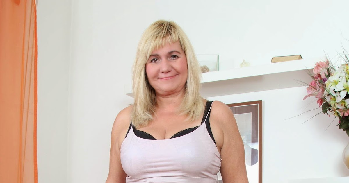 Chubby blonde granny Angelique DuBois baring huge boobs