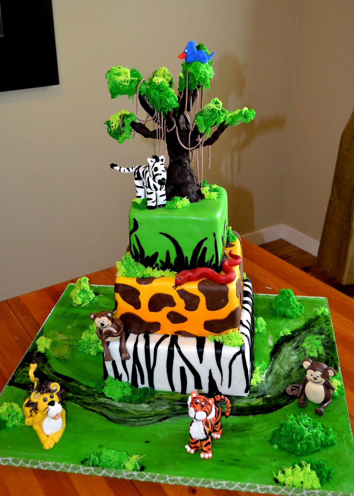 The Shank Family: A Safari Theme Birthday Cake!