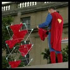 Superman Cuci Celana Dalam