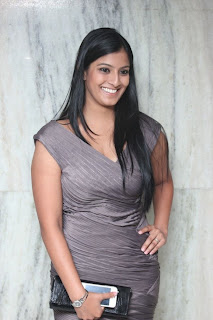 Actress Varalakshmi Sarathkumar In Poda Podi Picture Gallery Photos ...