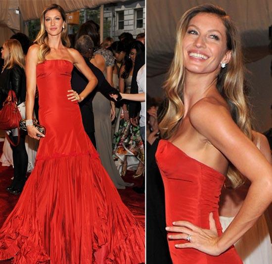 Como usar um vestido vermelho longo