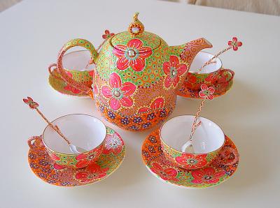 Nini Violette Hand Painted Ceramics